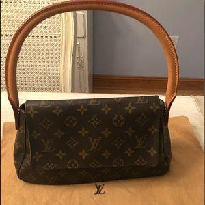 🎁🎄Louis Vuitton Mini Looping Bag 🎁🎄